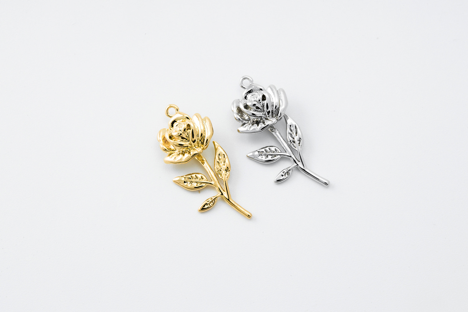 [P3-VC1] Rose charm, Brass, Nickel free, Wedding jewelry, Wedding accessories, Flower pendant, Dainty flower charm, 1 pcs (P3-G14, P3-G14R)