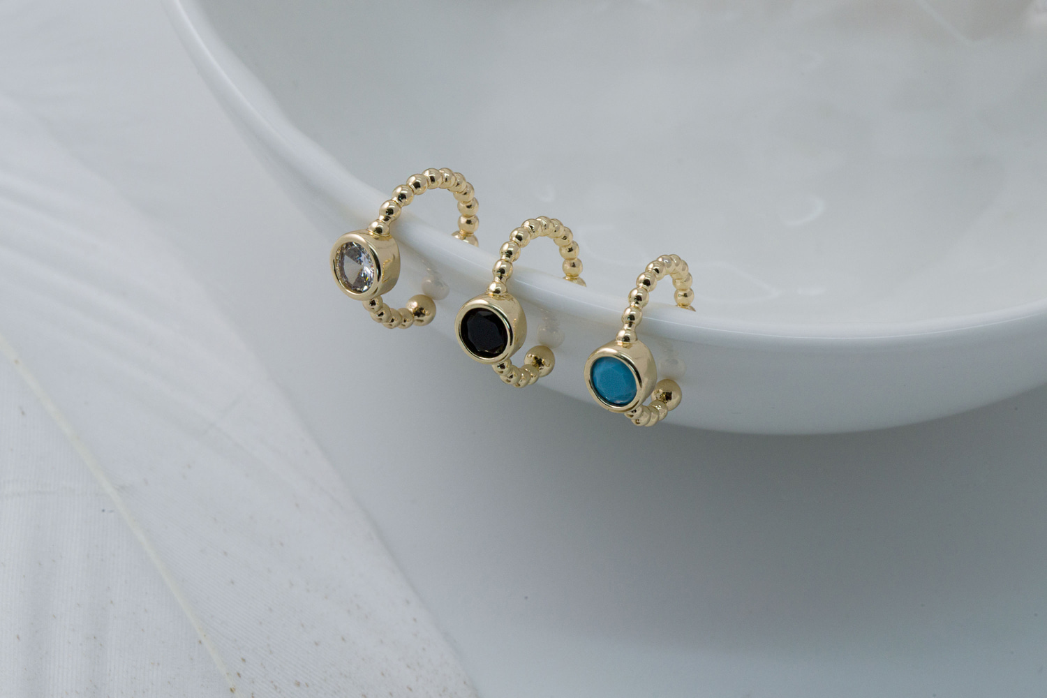 [ECB20-01] Round cubic ear cuff collection, Nickel free, Handmade jewelry, Non-pierced earring, Ear climber