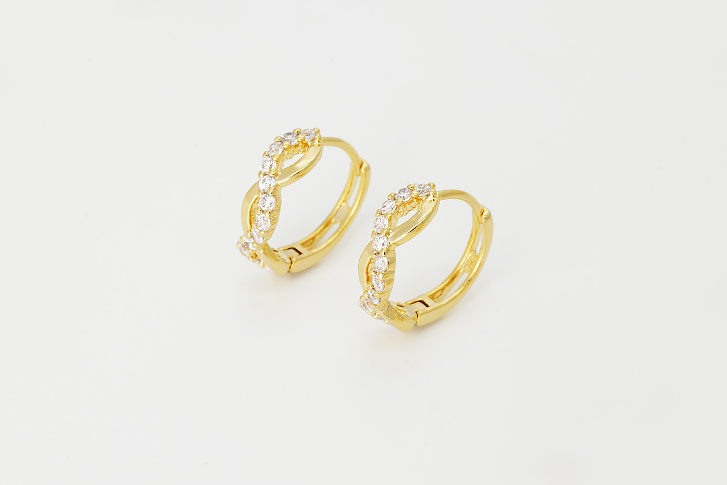 [T68-P6] Waving cubic lever back earring, Brass, CZ, Nickel free, Hoop earrings, Handmade jewelry, Fashion jewelry