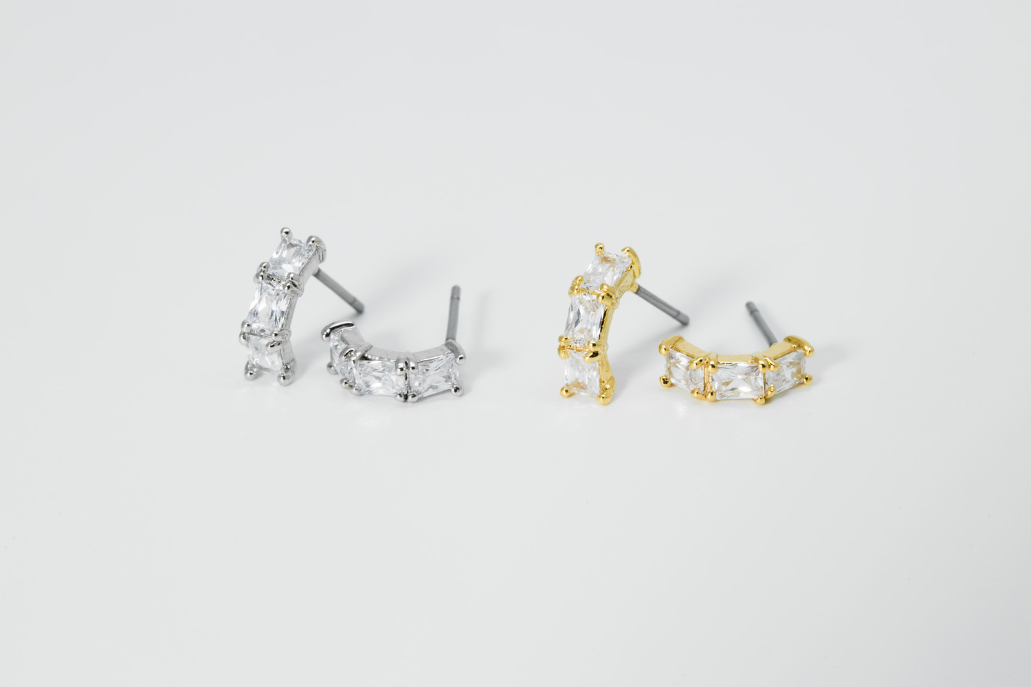 [EB20-34] Curved cubic stud earring, Brass, CZ, Nickel free, Handmade jewelry, Post earrings, Earring stud (D5-G1, D5-G1R)
