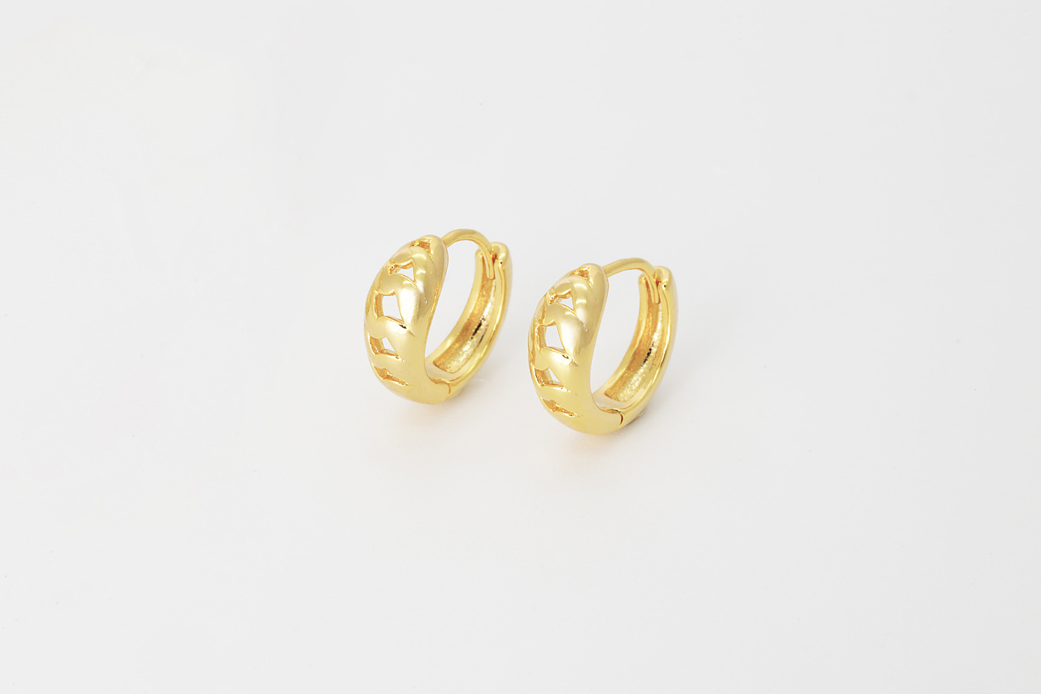 [T68-P7] Unique cutout one touch earring, Brass, Nickel free, Hoop earrings, Handmade jewelry, Fashion jewelry
