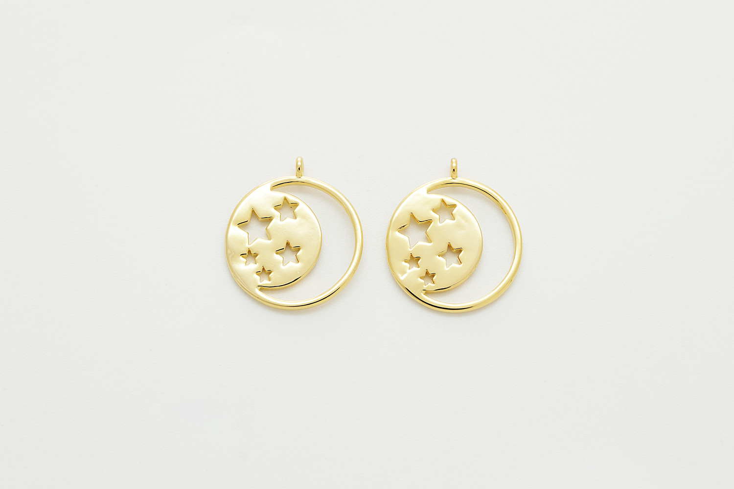 [M2-P3G] Moon and stars charm, Brass, Nickel free, Dainty round pendant, Jewelry making supplies, 2 pcs