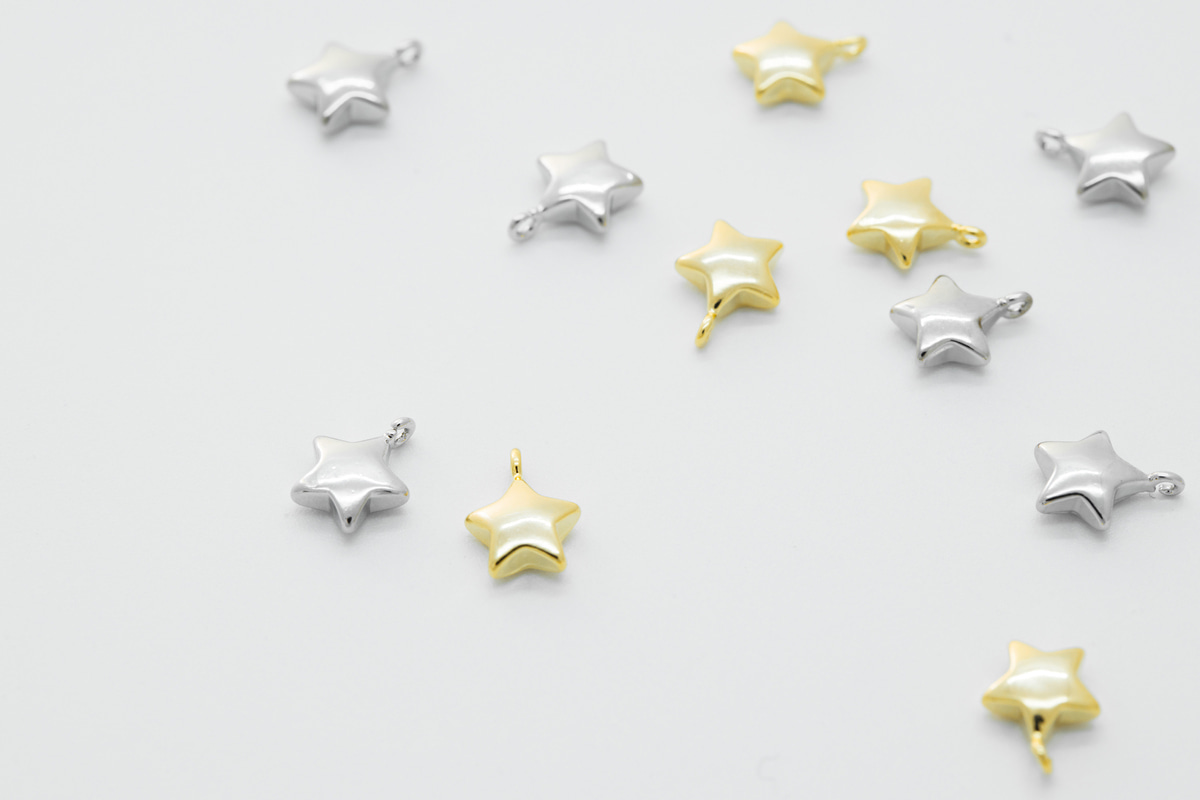[Q12-VC2] Tiny star charm, 8.5x6.7mm including 0.7mm loop, Nickel free, Small star pendant, Minimalist, 2 pcs (Q12-G12, Q12-G12R)