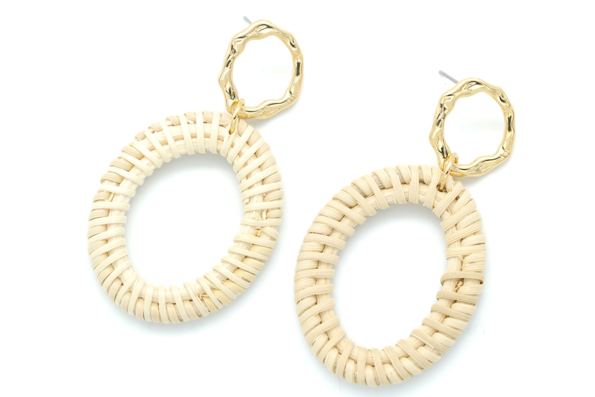 Rattan oval ring pendant