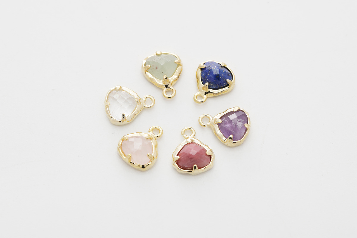 [N44-VC3] Dainty gemstone charm, Gold plated brass, Gemstones, Nature stone jewelry, Necklace making pendant, 1 piece