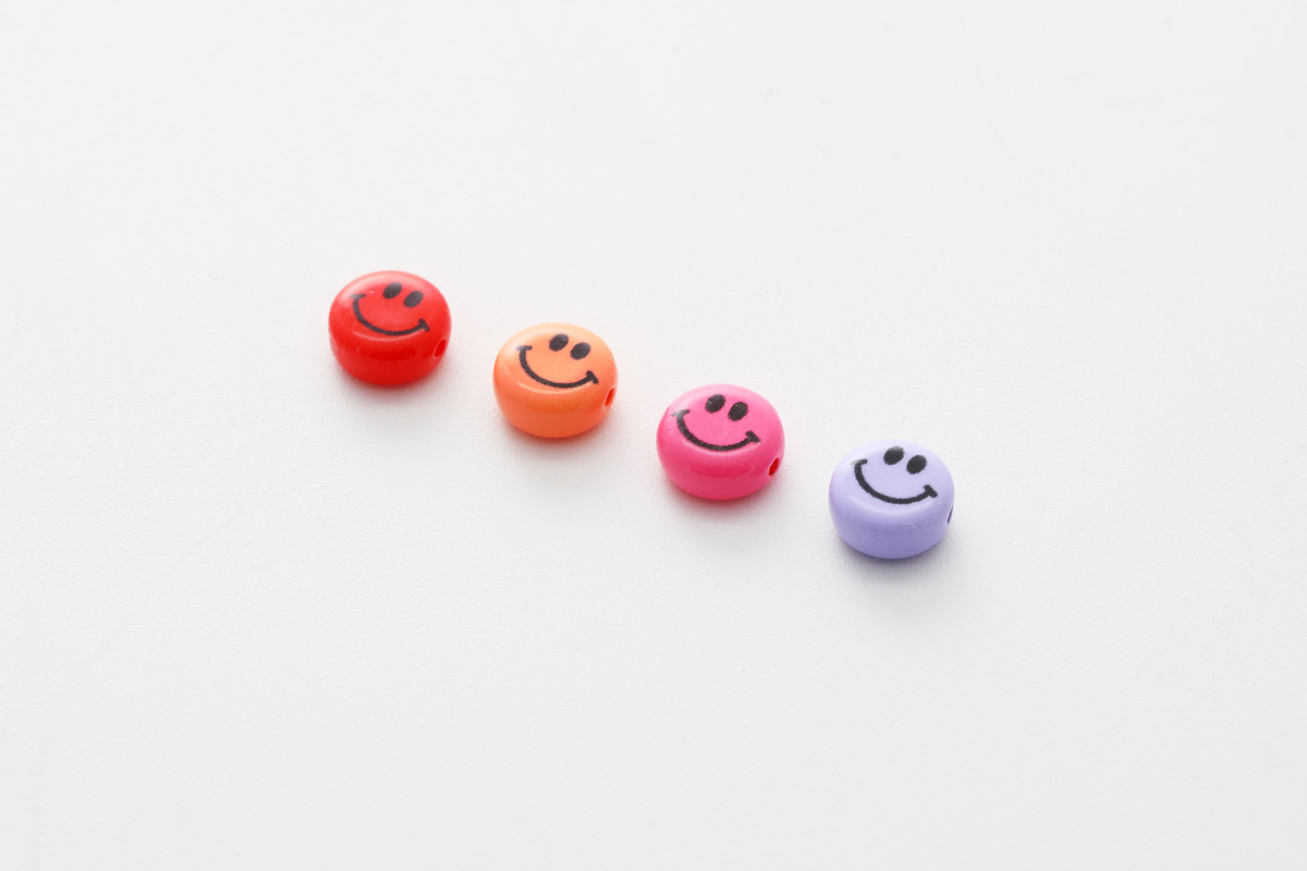 [V5-VC8] Smiley face beads (S), Acrylic, Smiley face, Smile pendant, Necklace making, Unique charm, Jewelry supplies, 30 pcs