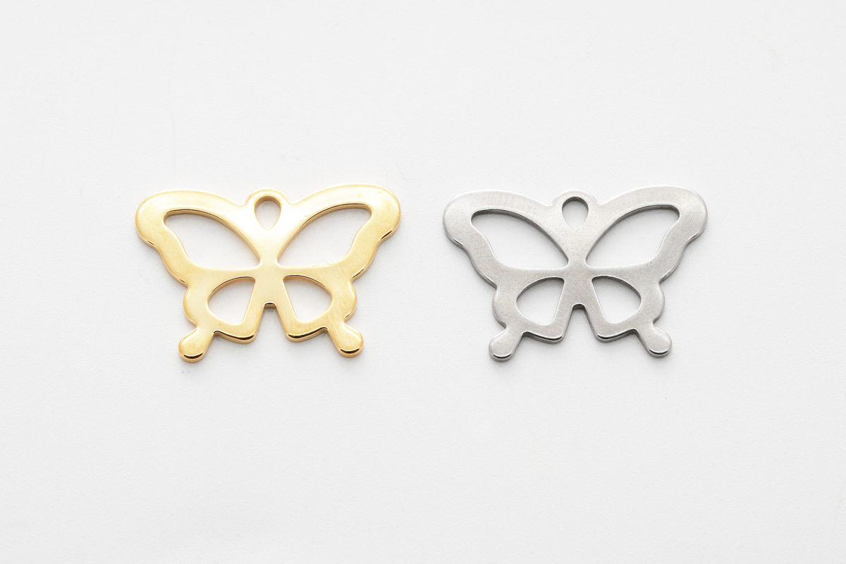 [B20-VC1] Stainless steel butterfly pendant, Nickel free, 16K gold plating, Stainless steel charm, Butterfly charm, Jewelry supplies, Necklace makings, 2 pcs (B20-R1, RB20-R1)