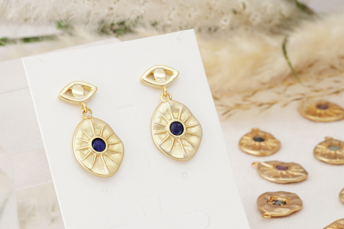 [N44-VC1] Charm ONLY, Antique gemstone charm, Matte gold plated brass, Gemstones, Nature stone jewelry, Necklace making pendant, 1 piece