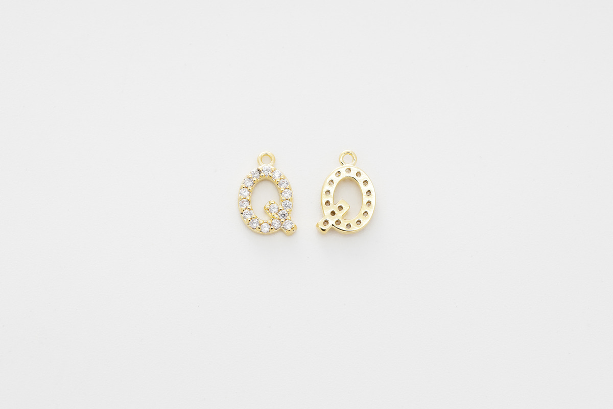 [AQ-G20] Cubic capital letter charm Q, Brass, Cubic zirconia, Nickel free, Jewelry making supplies, Alphabet charm, Initial charm, 1 piece