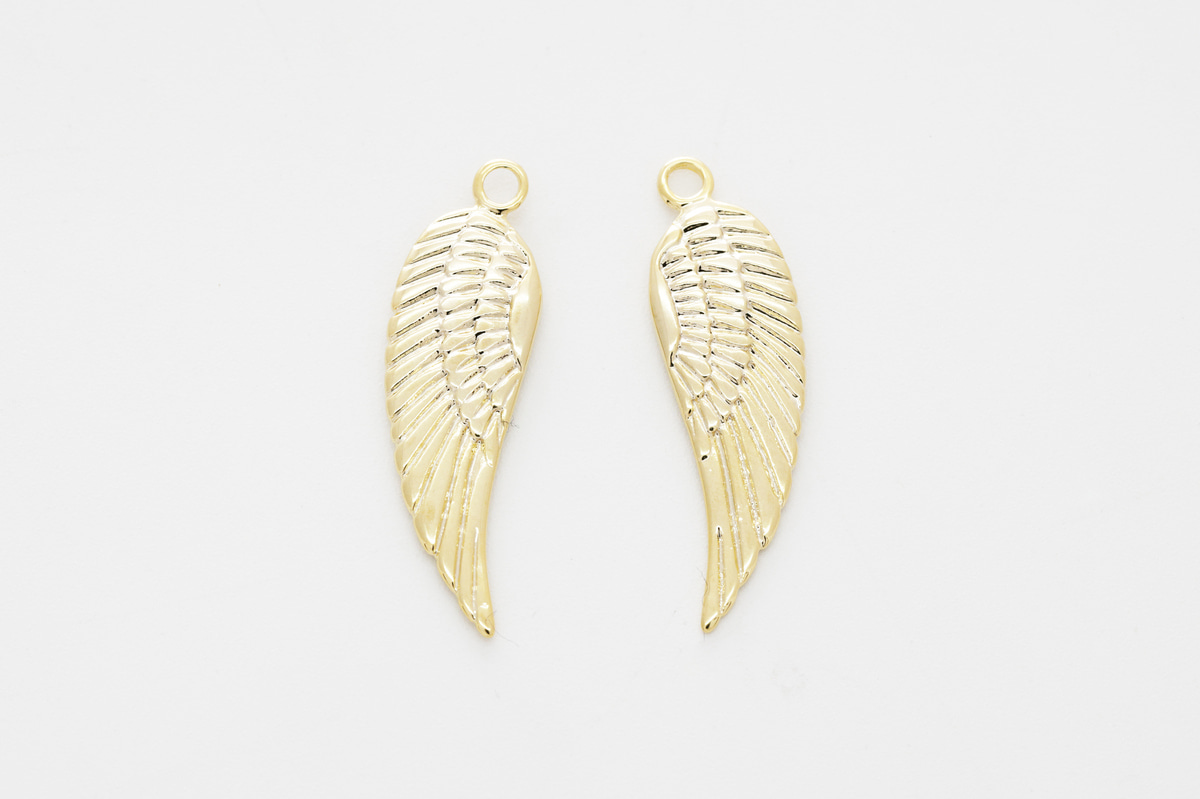 [N45-R3] Wing pendant, Gold plated brass, Jewelry making supplies, Necklace making pendant, Hand craft supplies, 1 piece