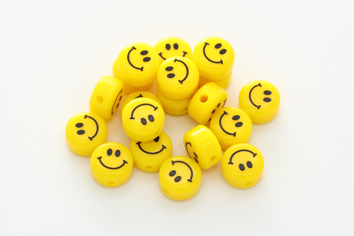 [V5-R3V] Smiley face beads w/ vertical hole, Acrylic, Smiley face, Smile pendant, Necklace making, Unique charm, Jewelry supplies, 30 pcs